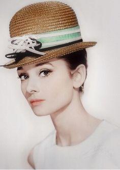 The loveliness of Audrey Hepburn.  Via @esusansmith. #AudreyHepburn #styleicons