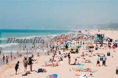 There's Almost No Evidence Daily Sunscreen Use Can Prevent Skin Cancer Merritt Island Florida, Rhode Island Beaches, California Beach, Southern California, Islamic Pictures, Beach Scenes, Santa Monica, Summer Beach, Dolores Park