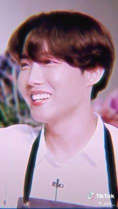Suga Rap, Jungkook Abs, Foto Bts, Bts Photo, Bts Jungkook Birthday, J Hope Smile, Jhope Cute, J Hope Dance, Bts Beautiful