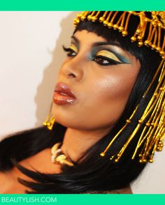 One of the most requested makeup tutorial is the Egyptian Queen Cleopatra make up, specially her eye makeup. Cleopatra Makeup, Cleopatra Costume, Egyptian Costume, Queen Cleopatra, Queen Makeup, Beauty Makeup, Hair Makeup, Hair Beauty, Makeup Geek