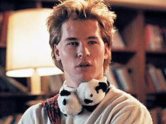 College senior Chris Knight (a young Val Kilmer) work on a laser project in the flick Real Genius. Genius Movie, Real Genius, College Movies, 80s Movies, Beautiful Men, Beautiful People, Pretty People, Val Kilmer, Movie Facts