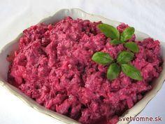 Chutný šalát, plný vitamínov a minerálov, vhodný ako zdravá večera, ale aj ako príloha k pečenému mäsu.