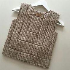 🙃 { Erkek yelek } İp Schachenmayr Bravo Originals Şiş no Ön başlangıç sayısı 35 Kol…」 Baby Knitting Patterns, Knitting For Kids, Knitting Designs, Baby Pullover, Baby Cardigan, Knit Or Crochet, Crochet For Kids, Baby Girl Vest, Pull Bebe