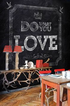 faux chalkboard wall paper & plaid with a interior Chalk Wall, Chalkboard Paint, Chalk Board, Chalkboard Wallpaper, Interior Desing, Interior Decorating, Decorating Ideas, Decor Ideas, Contemporary Wallpaper