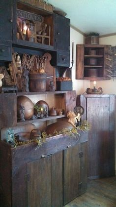 "Sometimes I am so drawn to the ""cluttered"" look of Primitive!  I LOVE all the things here!!! :-D"