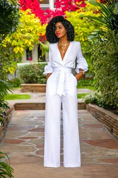 Style pantry fksp white button-down jumpsuit Classy Outfits, Stylish Outfits, Bar Outfits, Vegas Outfits, Club Outfits, Club Dresses, Moda Afro, All White Outfit, Classy Party Outfit