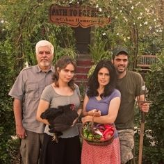 Urban homesteaders, the Dervaes family, discuss their journey in developing their Urban Homestead.They grow enough vegetables, fruits, and herbs to supply 99% of their family's produce needs, and still sell over $20,000 in produce to their local community each year, all on only 1/10th of an acre!They also raise small animals for eggs and dairy, do beekeeping, and process their own biodiesel fuel.