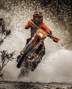 Motocross Action, Enduro Motocross, Motocross Girls, Enduro Motorcycle, Motocross Racing, Ktm Dirt Bikes, Dirt Bike Gear, Motocross Photography, Ktm 300
