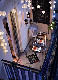 43 Ideas Small Patio Garden Apartment String Lights For 2019 Small Balcony Design, Small Balcony Garden, Small Balcony Decor, Small Patio, Balcony Ideas, Patio Ideas, Condo Balcony, Terrace Decor, Balcony Gardening