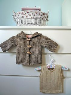 (more) baby knits by Tania Ho, via Flickr