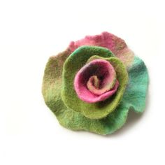 Felted flower brooch felt flower brooch flower felt floral brooch... (560 CZK) via Polyvore featuring felted flower brooch