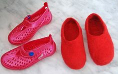 Tutorial - Wet felted slippers alongside the transparent beach shoes.they were made upon.