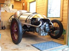 To build or buy a Pembleton, a modern-built, cycle car design that you can own for a fraction the cost of a classic 1930s car!