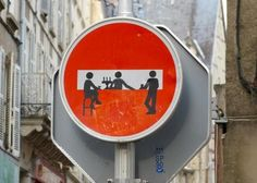 Street art makes me happy. Street Art in Poitiers, France. Street Art Utopia, Street Art Graffiti, 3d Street Art, Banksy, Best Street Art, Amazing Street Art, Street Signs, Bar Street, Berlin Street