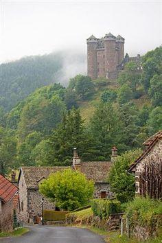 Mountain Side Castle, Auvergne, France  photo via medieval