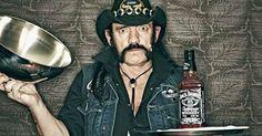"""Ian Fraser Kilmister, dit """"Lemmy"""" est décédé d'un cancer le 28 décembre 2015. Pour rendre hommage au membre fondateur de Motorhead, Arte a bousculé ses programmes et a diffusé samedi dans la nuit """"Lemmy"""", un documentaire réalisé par Greg Olliver et Wes Orshoski. Un documentaire captivant sur un artiste charismatique, avec les témoignages de Dave …"""
