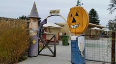Pumpkin & Witch gate, Oak Grove School 8760 Bower Street Graton, CA Patrick Amiot & Brigitte Lauren Junk Art. http://www.patrickamiot.com. #patrickamiot