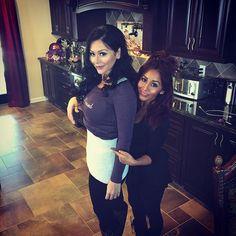 My pregnant bestie. She's skinnier than me ✋ #girlbye @jwoww