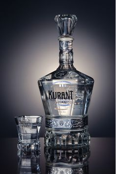 Kurant Vodka on Packaging of the World - Creative Package Design Gallery (Bottle Design Creative) Alcohol Bottles, Liquor Bottles, Vodka Bottle, Perfume Bottles, Beverage Packaging, Bottle Packaging, Vodka Drinks, Alcoholic Drinks, Beverages