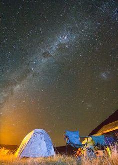Lake Emma, New Zealand. A typical New Zealand night sky. Breathtaking. Photographed by Rob Dickinson.