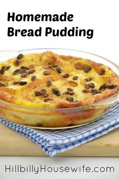 Bread Pudding is my favorite way to use up stale bread. Such a yummy and simple … Bread Pudding is my favorite way to use up stale bread. Such a yummy and simple dessert. Best Bread Pudding Recipe, Raisin Bread Pudding, Easy Pudding Recipes, Bread Pudding With Apples, Bread And Butter Pudding, Easy Delicious Recipes, Yummy Food, Pudding Ideas, Easy Recipes