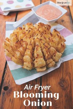 Now you make an air fried Air Fryer Blooming Onion at home! Just like Outback Steakhouse's Bloomin' Onion®, but without all the grease from deep frying. The only trick is how to cut it, but I've got you covered with photos and a step by step video! Air Fryer Dinner Recipes, Air Fryer Recipes Easy, Blooming Onion Recipes, Air Frier Recipes, Snacks, Pampered Chef, Party, Deep Frying, Air Frying