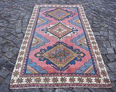 turkish rug oushak rug vintage rug turkey rug by turkishrugstar Rustic Rugs, Rustic Decor, Boho Decor, Geometric Rug, Types Of Rugs, Floral Rug, Bath Rugs, Pink Rug, Aztec Rug
