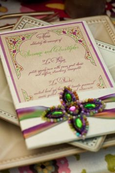 Arabian Nights Wedding Invitation idea.....aplique de piedras y cinta