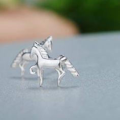 horse-earrings-silver