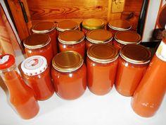 Kečup Russian Recipes, Hot Sauce Bottles, Preserves, Nespresso, Ale, Veggies, Homemade, Tableware, Kitchen