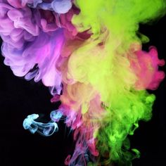 Neonfarben unter Wasser: Aqueous Electreau - Mark Mawson