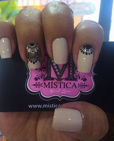 by misticanailspa Love Nails, Pretty Nails, My Nails, Geometric Nail Art, Nail Polish Art, Shellac Nails, Nail Decorations, Bling Nails, Simple Nails
