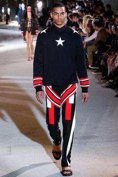 Givenchy Spring 2014 Menswear Fashion Show Vogue Paris, Fashion Show, Mens Fashion, Fashion Outfits, Runway Fashion, Street Fashion, Latest Fashion, Givenchy Man, Italian Fashion Designers