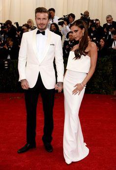 Pin for Later: Seid glamourös oder lasst es sein: Alle Stars vom roten Teppich der Met-Gala! David und Victoria Beckham