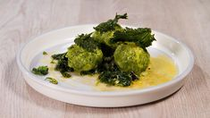 Rezept von Richard Rauch   30 Minuten (ohne Stehzeit)/aufwendig Rauch, Palak Paneer, Broccoli, Vegetables, Ethnic Recipes, Food, Parmesan Recipes, Credenzas, Eat Healthy