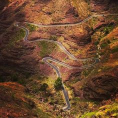 View back on the Serenity climb up to Soria in Gran Canaria #theperfecthairpin