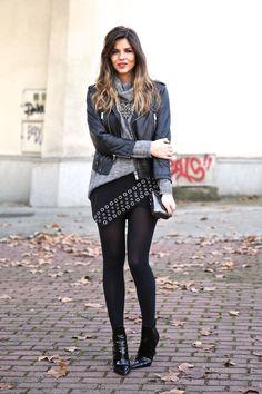 Look chic con chaqueta de cuero, jersey de punto, falda asimétrica negra con detalles metálicos y botines de charol Dope Fashion, Girl Fashion, Fashion Dresses, Womens Fashion, Fashion Casual, Fashion Trends, Casual Chic Style, Look Chic, Trendy Taste