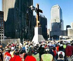 """""""Un tribunal federal de Estados Unidos ha sentenciado que la cruz construida después de los atentados del 11-S en la Zona Cero podrá seguir expuesta en el museo en memoria de esos atentados pues, según el tribunal, no es un símbolo discriminatorio sino que es 'un símbolo de la esperanza y de naturaleza histórica'...""""."""