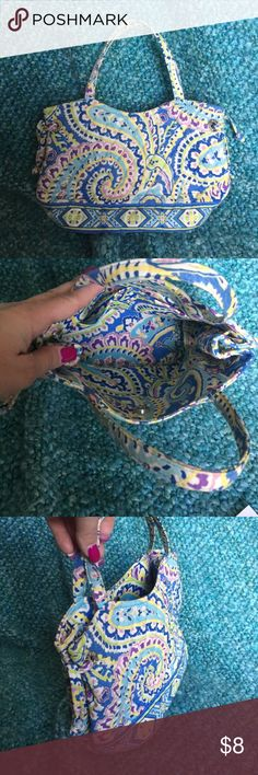 "Vera Bradley Capri Blue Small Handbag EUC Vera Bradley Capri Blue Small Handbag EUC excellent used condition. It's 10"" inches wide and 6"" inches tall and 4.5"" inches depth and the strap drop is 5"" inches. No stains, tears. Fantastic bag purse Vera Bradley Bags"