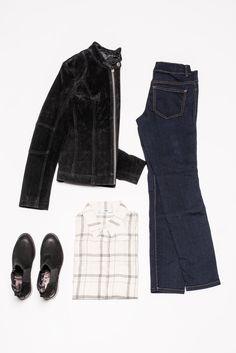 Style für den Herbst mit gestreifter Bluse, Jeans und den passenden Boots.