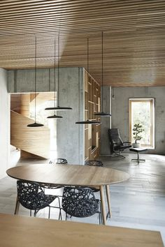 Tommy_Rand_15 Minimalist Architecture, Architecture Design, Self Build Houses, Spiral Staircase, Cool Rooms, Dining Room Chairs, Modern Minimalist, Midcentury Modern, Living Spaces