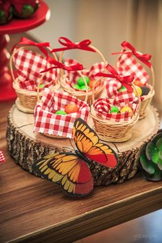 [New] The Best Craft Ideas Today (with Pictures) - These are the best craft ideas today (with pictures). Picnic Birthday, Bear Birthday, Birthday Parties, Red Riding Hood Party, Masha And The Bear, Bear Party, Party Decoration, Holidays And Events, Party Themes