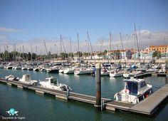🇧🇷 Saudades de Lisboa, Portugal. A Doca de Belém tem 194 lugares para embarcações e recebe velejadores do mundo. 🇺🇸 Best of the day in Lisbon, Portugal. Beer time at Doca de Belém.