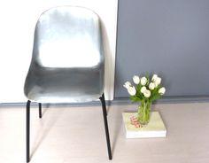 chaise coque transparente pied