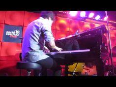 Jamie cullum Blackbird - YouTube