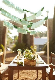 here are a few of my cinco de mayo faves! {engagement} tiffany + paul via {grey likes weddings} {decor} fiesta via {design sponge} {good. Diy Girlande, Mexican Party, Cuban Party, Summer Design, Colorful Party, Party Entertainment, Event Decor, Big Day, Wedding Decorations