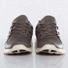 Nike - Free Run (+2) Woven LTR NRG - 553280-220 - Sneakersnstuff, sneakers & streetwear på nätet sen 1999
