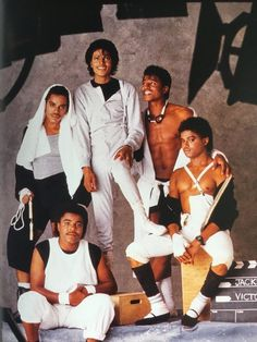 M J The Jackson Five, Jackson Family, Jackie Jackson, Photos Of Michael Jackson, Michael Jackson Bad Era, Familia Jackson, King Of Music, The Jacksons, Soul Music