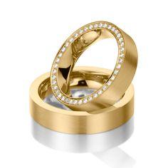Eheringe 123gold MyStyle - Legierung: Gelbgold 585/- Breite: 5,00 - Höhe: 2,40 - Steinbesatz: 43 Brillanten zus. 0,344 ct. tw, si (Ring 1 mit Steinbesatz, Ring 2 ohne Steinbesatz). Alle Eheringe können Sie individuell nach Ihren Wünschen konfigurieren.