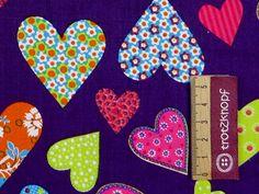 0,5 m Baumwolldruck bunte Herzen auf lila von trotzknopf auf DaWanda.com